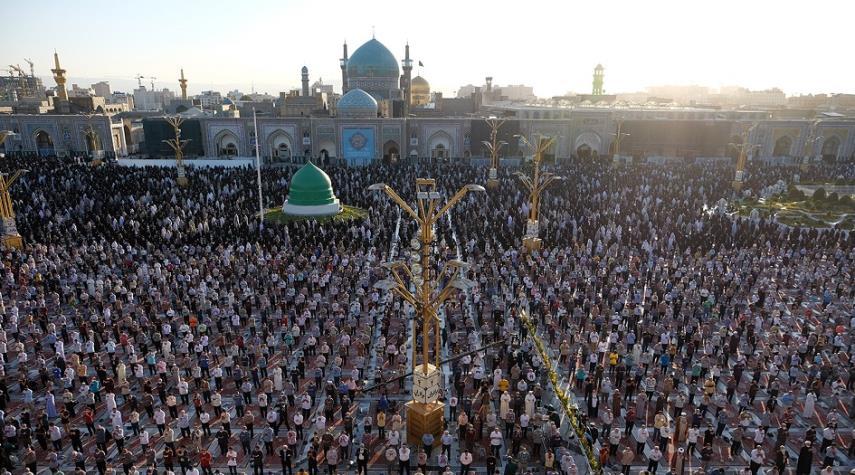 بالصور...  صلاة عيد الأضحى في العتبة الرضوية المقدسة