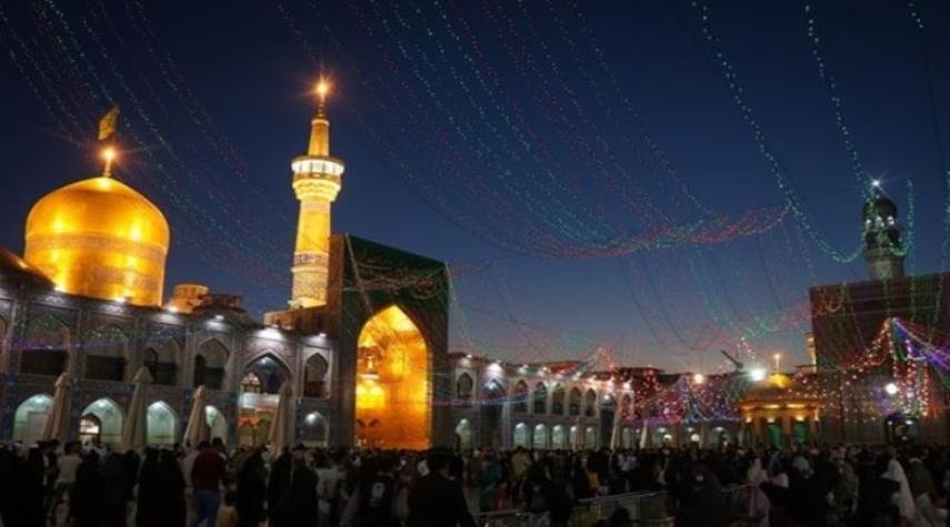 """بالصور... مراسم بهيجة في مرقد """"الامام الرضا (ع)"""" ليلة عيد الغدير"""