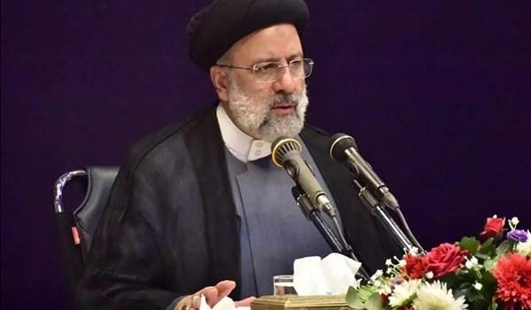 الرئيس الايراني يؤكد ضرورة الاستفادة من طاقات الفضاء الافتراضي لتنامي البلاد