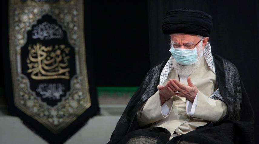 مراسم عزاء بذكرى استشهاد الإمام الرضا (ع) بحضور الإمام الخامنئي +صور