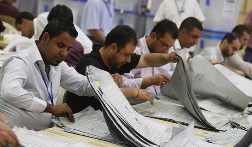 الانتخابات العراقية.. فرز أصوات محطات انتخابية في بغداد يدويا